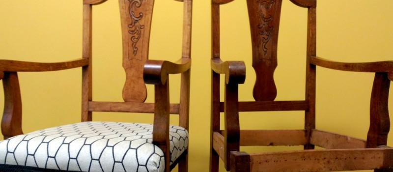 dos sillas una restaurada y la otra no