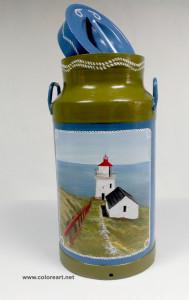 lechera pintada con paisaje de faro