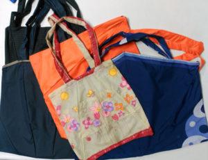 bolsas recicladas con paraguas